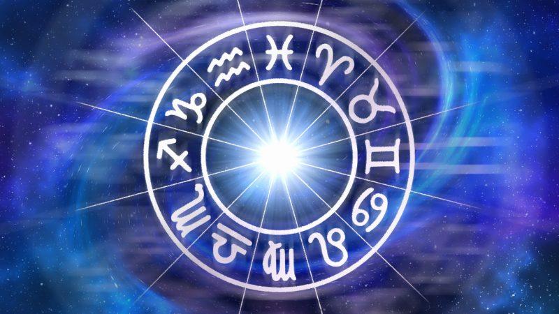 Mjesečni horoskop za avgust: KOME STIŽU SREĆA, NOVAC, A KOJI ZNAKOVI DA BUDU OPREZNI?