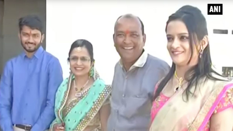 Indijski biznismen proslavio vjenčanje svoje kćeri tako što je sagradio 90 kuća za beskućnike!