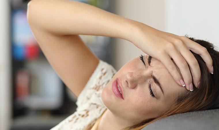 Evo kako momentalno zaustaviti glavobolju – Čaša ovog napitka spasit će vas od bolova!